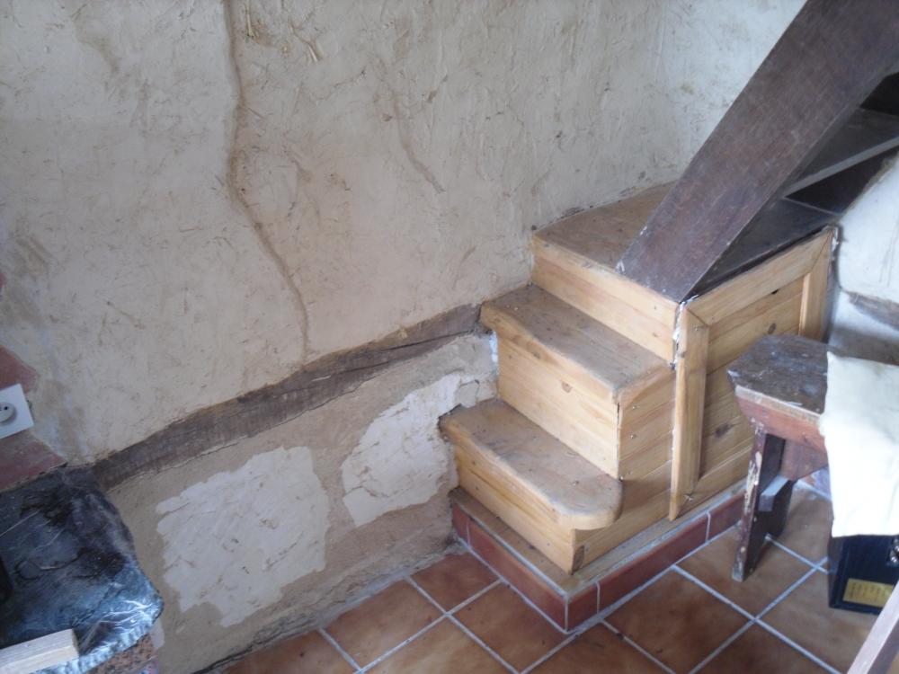 Petit escalier pour monter à la mezzanine