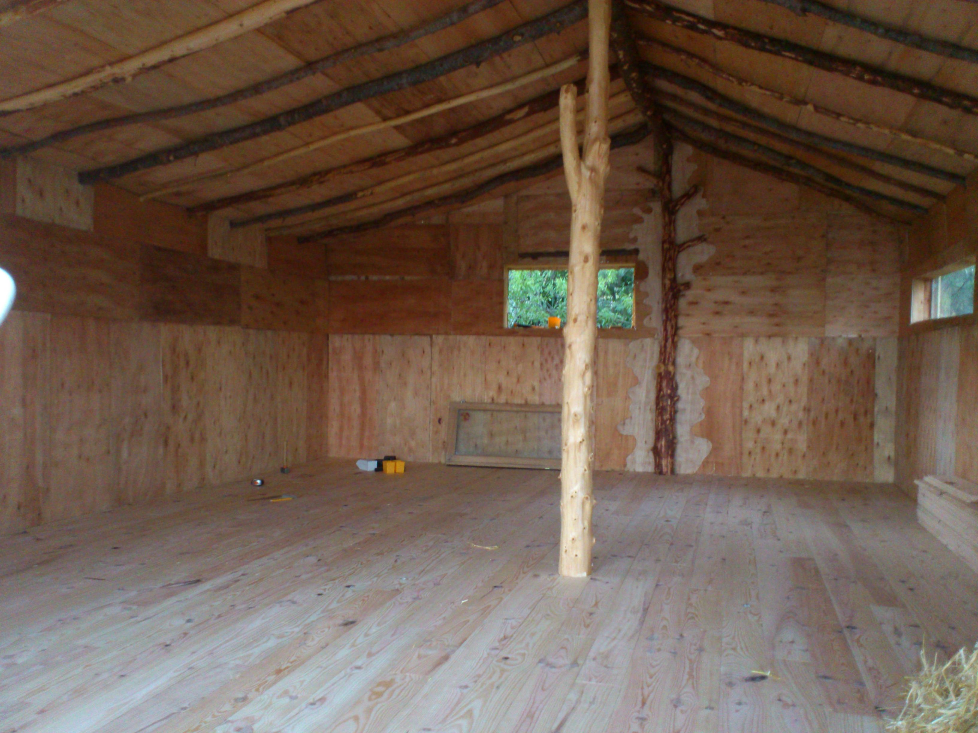 Espace entier sans cloison. Surface 40 m²