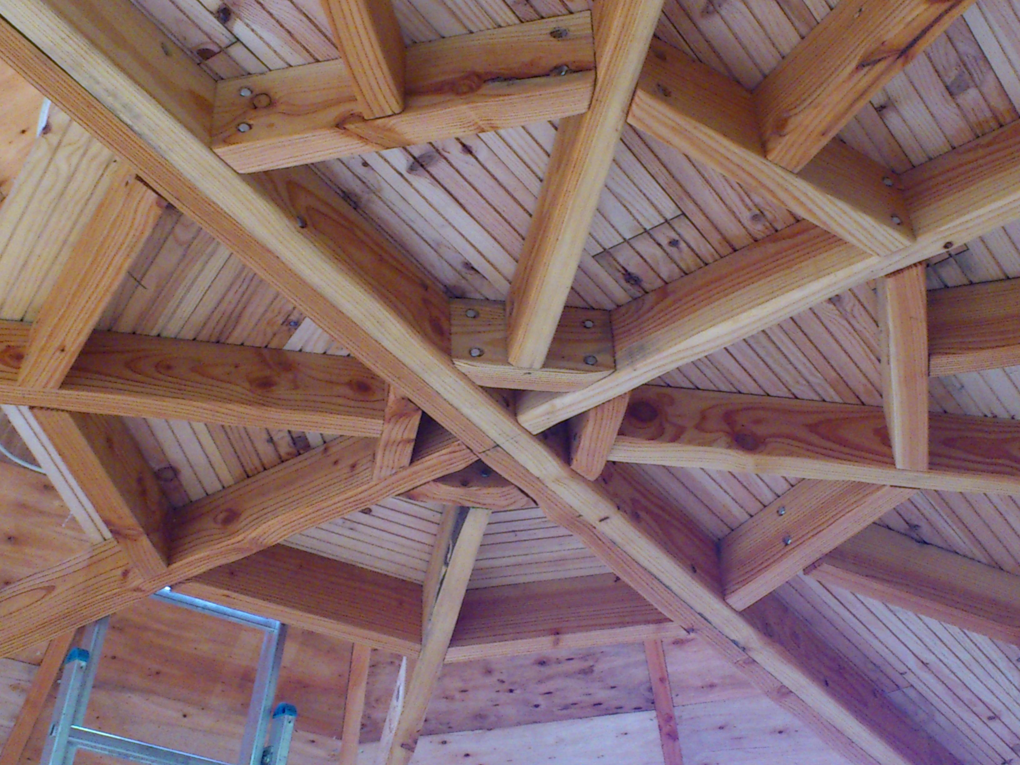 Structure sous mezzanine, style toile d'araignée !